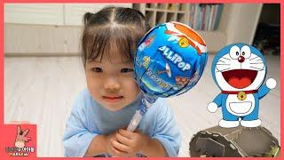 도라에몽 초거대 왕사탕 발견! 귀요미 로리팝 사탕 먹방 ♡ 마블 아이언맨 헐크 어린이 장난감 놀이 Giant Candy Lollipops | 말이야와아이들 MariAndKids
