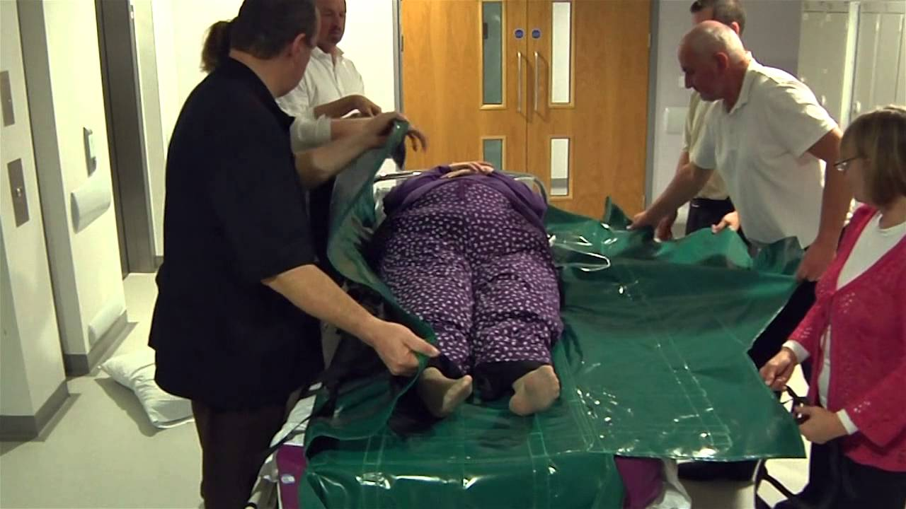 Specialist removal of deceased person | BM Ambulance Service