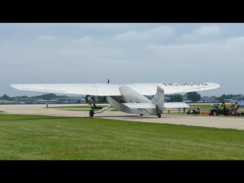 2017 EAA Air Venture   Fly the Ford Trimotor
