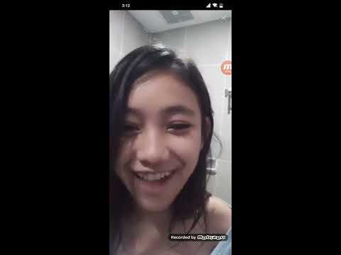 Bigo Live Indoneaia - Susu Gede Show di kamar mandi dan Live Ngentot