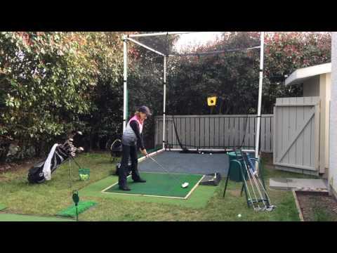 Oceanside Golf Services - Lady Golfer