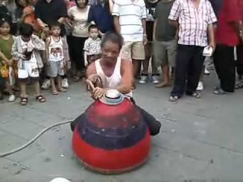 WORLD'S BIG BEST SPINNING TOP LATU