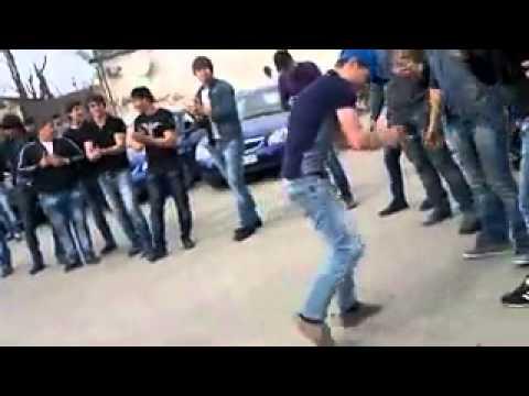 смешные видео чеченские танци
