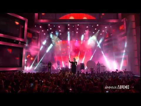 """imagine-dragons-performing-""""demons""""-and-""""radioactive""""-at-the-mmvas-2014"""