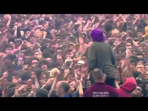 Crystal Castles - Baptism Live at Reading Festival 2012