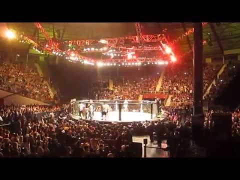 UFC em Porto Alegre: Publico canta o Hino Riograndense