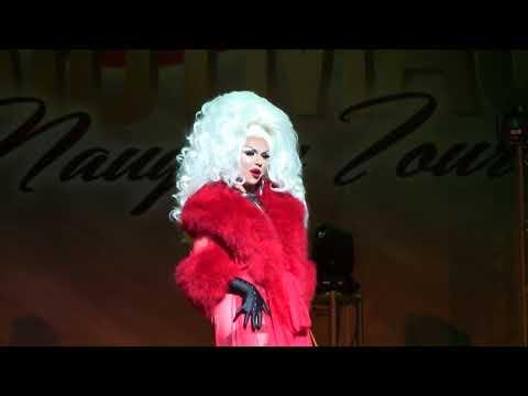 A Drag Queen Christmas - Farrah Moan (Santa Baby)