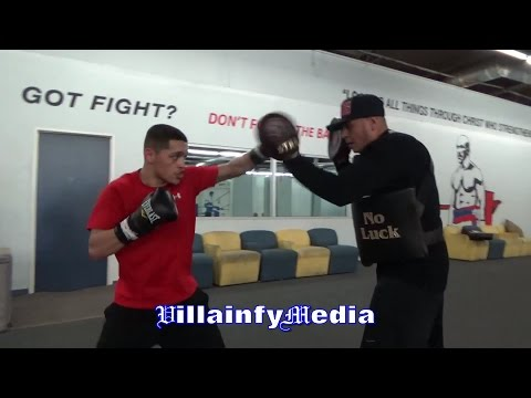 ALL HUSTLE, NO LUCK!! BRENT VENEGAS KILLS THE MITTS WITH TRAINER GABE FLORES