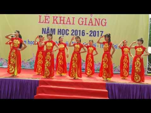 Dân vũ trống cơm. KG 2016-2017 THPT Thạch Thành 1