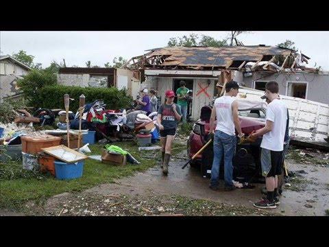 Van,  Texas Tornado - May 10, 2015