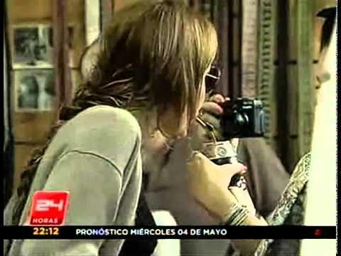 Miley Cyrus shopping in 'Pueblito Los Dominicos',Santiago, Chile