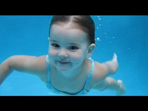 Baby Girl Diving to 9 ft Deep alone!!!! Youngest Swimmer in The World