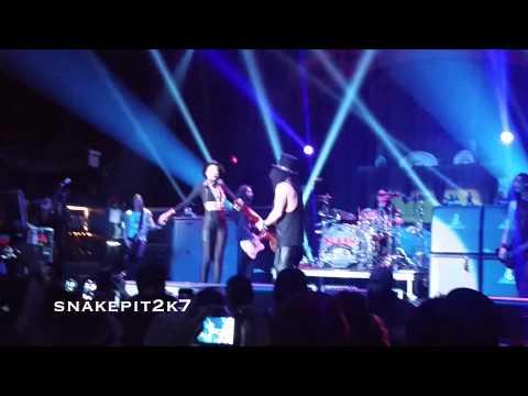 Slash – Hey Joe (Live Terminal 5 feat. Kimberly Nichole from The Voice)
