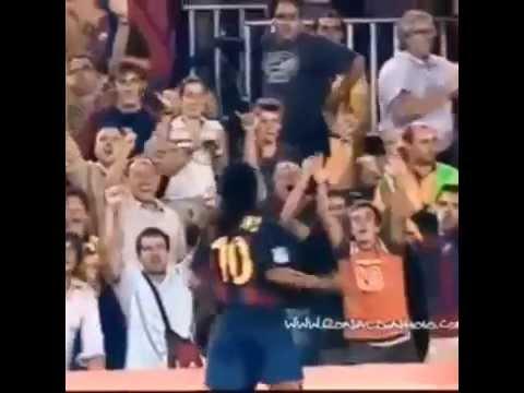 Primer Gol De Ronaldinho Con En El Barcelona- Ronaldinho's First Goal With Barcelona In