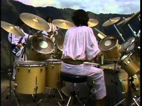 Antigua America - Sube a nacer conmigo hermano -Los Jaivas-Neruda (HD, subtitles in English)