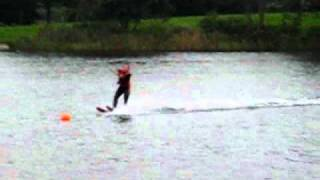 Danny en Marin op de waterskies.