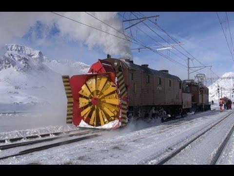 Dampfschneeschleuder  Xrot d 9213 und Bernina Krokodil Snow Plowing - steam, Zug, trainfart, train