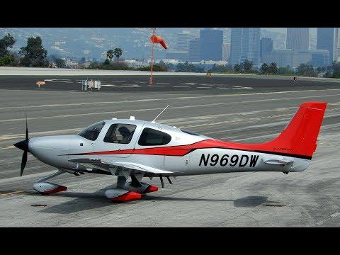 Propeller Airplane Spotting at Santa Monica Airport (KSMO) California