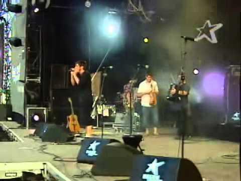 Les Hurlements d'Léo - Paléo Festival De Nyon En Suisse Juillet 2004