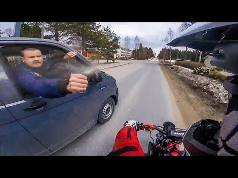 8 MINUTES OF CRAZY POLICE CHASE GETAWAYS | POLICE vs BIKERS | PEPPER SPRAY IN FACE