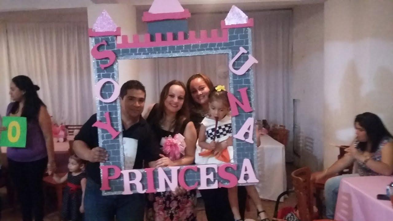 Marco fotogr fico para fiestas castillo de princesa - Como hacer un marco de fotos a mano ...