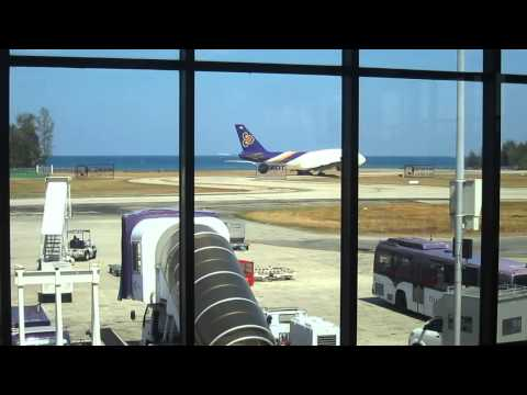 Thai Airways 747-400 at Phuket Airport