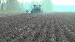 Autopilot Trimble EZG 500 RTK VRS na traktoru NH TS 100A - hrůbkování pro cukrovku (listopad 2011)