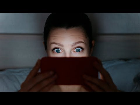 Using Your Smartphone at Night Could Make You Temporarily Blind