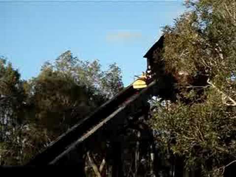 Rocky Hollow Log Ride