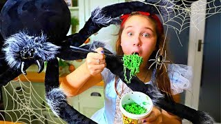 Ruby and Halloween Green Noodle Cooking