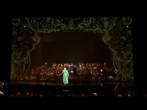 Duc Tuan - Tinh Hoai Huong (Pham Duy): Đức Tuấn hát bài Tình Hoài Hương (sáng tác Phạm Duy) tại liveshow Paradiso (2011). Video trích từ DVD sắp phát hành.