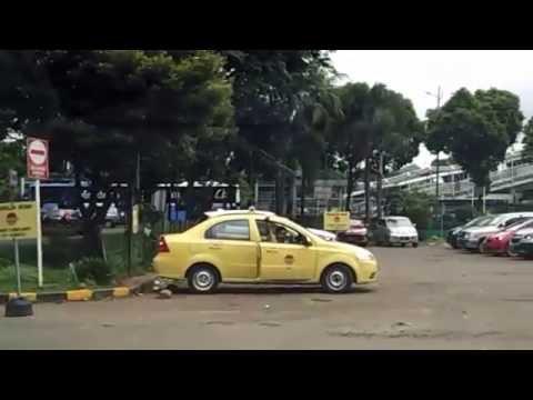 PARKIR MOBIL DI RUMAH SAKIT HARAPAN KITA JAKARTA INDONESIA