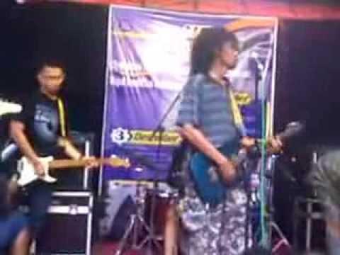 Mahasiswa IAIN Surabaya - Hitam Putih (cover By Momonon)