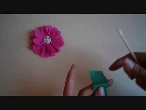 פרח מנייר קרפ וכפתור