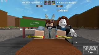 Playing Pen Tapping Simulator on Roblox