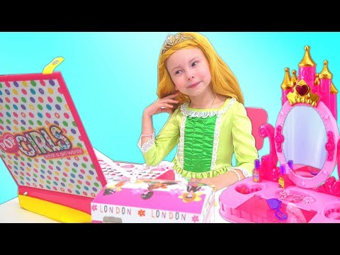 Alice Pretend Play in house for Princesses