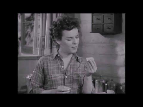 "Mercedes McCambridge One-Handed Cigarette Roll In ""LIGHTNING STRIKES TWICE"" (1951)"