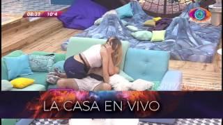 Gh 2016 Madrugada 26 06 Pato Y Yasmila Chapando En El Sillon Parte 3