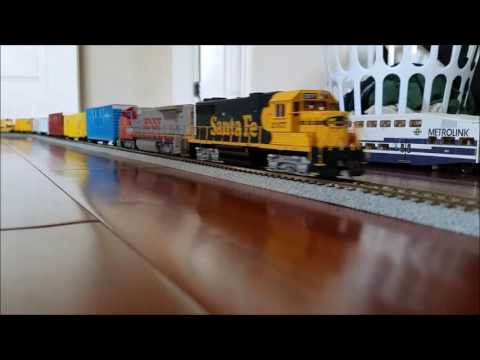HO Scale Trains 7/25/16: Coaster, Freight and More!