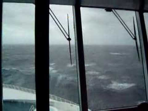 Huge Wave hits cruise ship