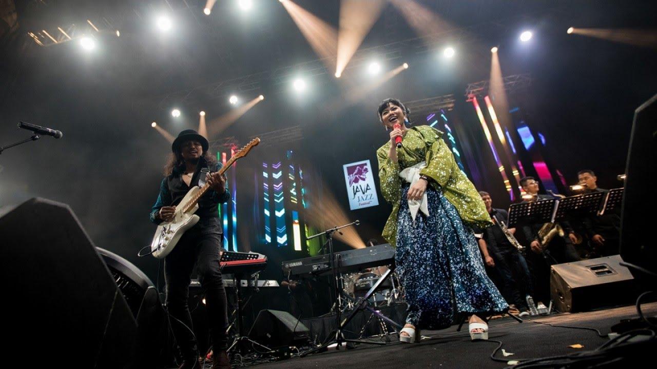YURA YUNITA - Java Jazz Festival 2017