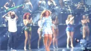 Beyonce closing the Mrs. Carter Show in Philadelphia- With a surprise appearance by Jay-Z