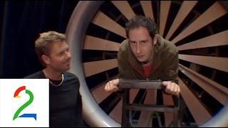 Se Harald forsvinne gjennom en jetmotor!