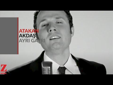 Atakan Akdaş - Ayrı Gayrı (Official Video) [ Zor Sevda 2009 © Z Müzik ]