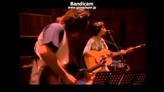 真心ブラザーズのFLYです。 2001年の熱闘甲子園のOP・EDだった曲です。