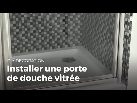 poser une paroi de douche tuto bricolage avec robert doovi. Black Bedroom Furniture Sets. Home Design Ideas