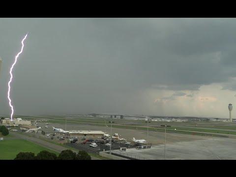 King Air BE90 ILS 03R Landing at Tocumen International Airport Storm Close to minimumsиз YouTube · Длительность: 1 мин30 с