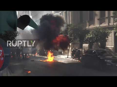 Greece: Explosions, clashes and arrests at protest over education bill in Athens