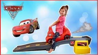 Disney Cars 3 Lightning McQueen Step 2 Roller Coaster for Kids!