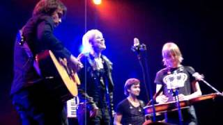 Ilse DeLange - Tapdancing on the highwire
